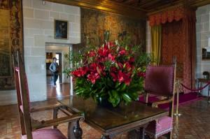 _LEP1163 - Ces bouquets de fleurs dans presque tous les appartements du château mettent beaucoup de vie et sont splendides et je n'aime pas les fleurs en général!