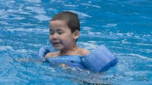 _LEP2607 - L'eau est froide!  The water is cold!