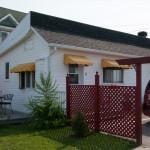 _LEP5522 - Notre adresse pour la semaine, le #5! Juste sur le coin avec petit patio!